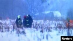 Підмосков'я, місце роботи рятувальників після падіння Ан-148. 11 лютого 2018 року (скріншот з відео Reuters)