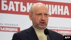 Александр Турчинов навбатдаги президентлик сайлови ўтгунча давлат раҳбари вазифасини бажариб туради.