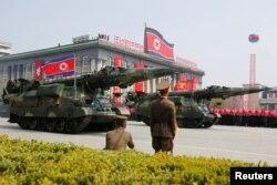 Военный парад в Пхеньяне. 15 апреля 2017 года