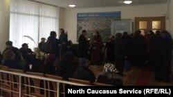 Идет прием в выездной общественной приемной Совета при Президенте РФ по развитию гражданского общества и правам человека