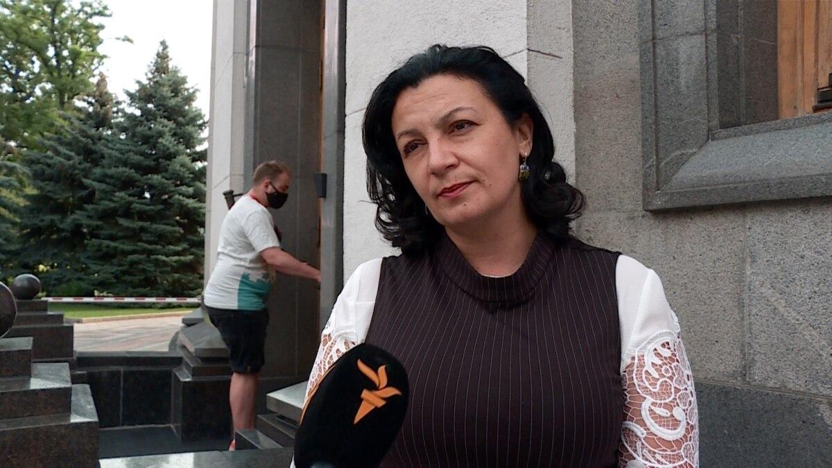 Почему Зеленский не упоминает Россию, когда говорит о войне на Донбассе? (видео)