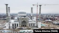 Строящаяся мечеть имени Рамзана Кадырова в городе Шали