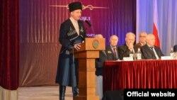 Глава Северной Осетии Вячеслав Битаров, архивное фото