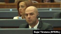 Samo povlačenje pred problemima i bojkot institucija nisu ništa promenili: Slavko Simić u Skupštini Kosova