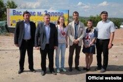 Вузол обліку води для ОРЛО побудували на гроші Червоного Хреста. Фото зі сторінки Луганської ОДА у Facebook