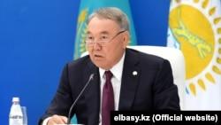 Нурсултан Назарбаев на собрании партии «Нур Отан». 22 августа 2019 года.