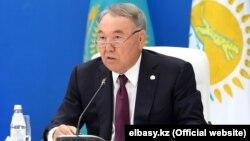Бывший президент Казахстана Нурсултан Назарбаев на заседании политического совета возглавляемой им партии «Нур Отан». Нур-Султан, 21 августа 2019 года.