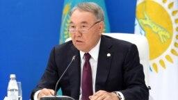 """Нұрсұлтан Назарбаев """"Нұр Отан"""" жиынында отыр. 22 тамыз 2019 жыл."""