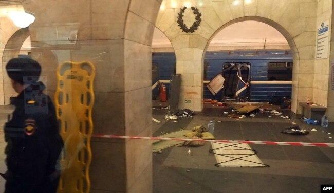 Санкт-Петербург метросындағы теракт болған сәт. 3 сәуір 2017 жыл.