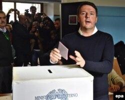 Premierul Matteo Renzi, așteptat astăzi să demisioneze