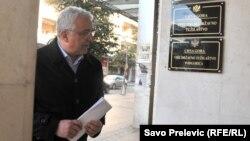 Andrija Mandić prilikom ulaska u zgradu Specijalnog državnog tužilaštva, Podgorica