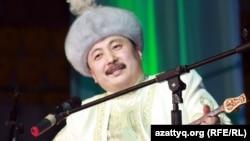 Аманжол Әлтаев, айтыскер ақын. Алматы, 11 ақпан 2012 жыл.