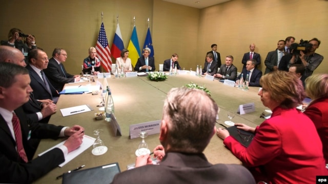 Participants from Russia, Ukraine, the EU, and the United States thrash out a deal aimed at resolving the Ukrainian crisis in Geneva on April 17.