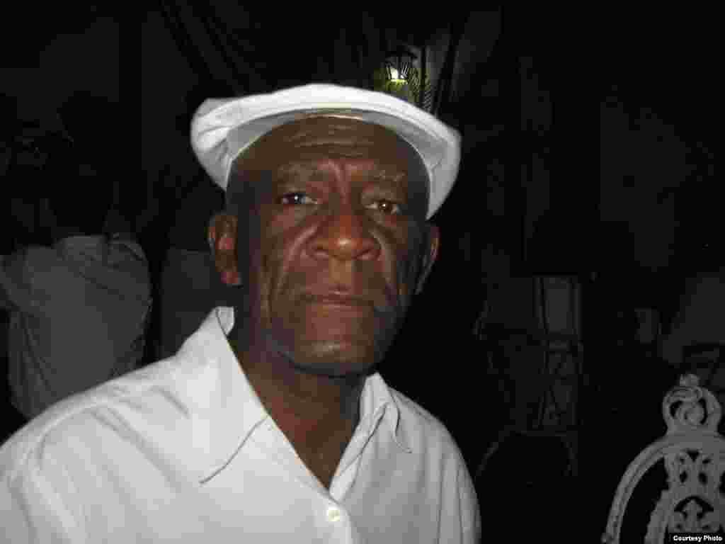 Сантьяго-де-Куба. Удивительно талантливый и грустный джазмен, 78 лет...