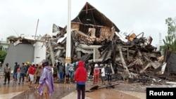 خسارتهای برجا مانده از زلزله در اندونیزیا