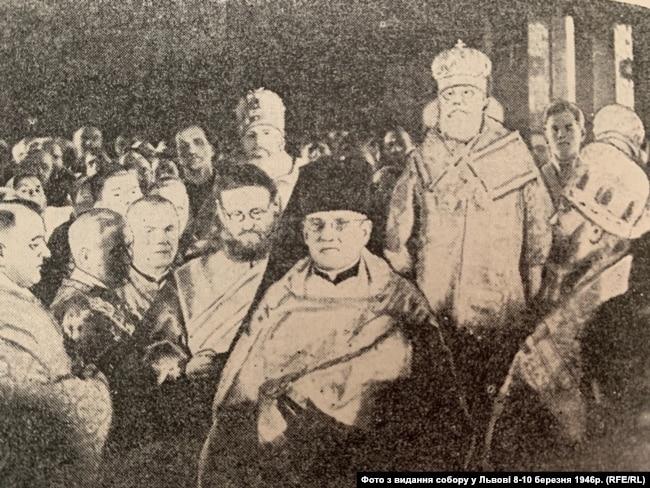 Священники з західних областей у Києві в Свято-Володимирському соборі