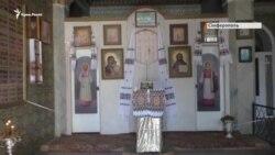 Вівтар пошкоджений, двері опечатані: як блокують храм УПЦ КП у Криму