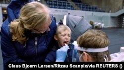 Koronavírus-tesztelés Dániában.