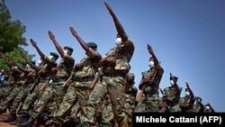 Солдаты армии Мали на параде в Бамако, 2020