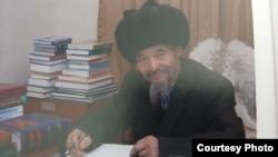 Нуркожо Мусталый уулу (фото взято из книги Нуркожо Мусталый уулу «Кыргыздын сыры санжыра»).