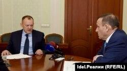 Владимир Кожанов слева