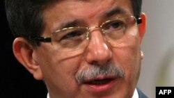 Шефот на турската дипломатија Ахмет Давутоглу.