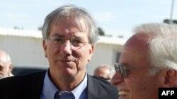 دنیس راس (نفر سمت چپ) به عنوان مشاور وِیژه وزیر امور خارجه آمریکا در امور خلیج فارس منصوب شده است.