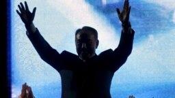"""Қазақстан президенті Нұрсұлтан Назарбаев """"Нұр Отан"""" партиясының жиынында. 2007 жыл."""