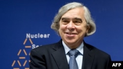 ارنست مونیز، وزیر انرژی ایالات متحده یکی از اعضای هیات مذاکرهکنندگان آمریکایی در لوزان سوئیس بود