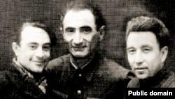 Во время войны. Слева направо: Сеитумер Эмин, Джеббар Акимов, Керим Джаманаклы