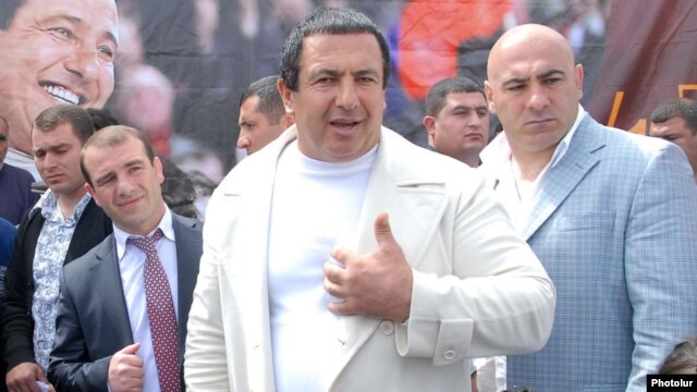 Armenia - Prosperous Armenia Party leader Gagik Tsarukian at an election campaign rally, 30Apr2012.