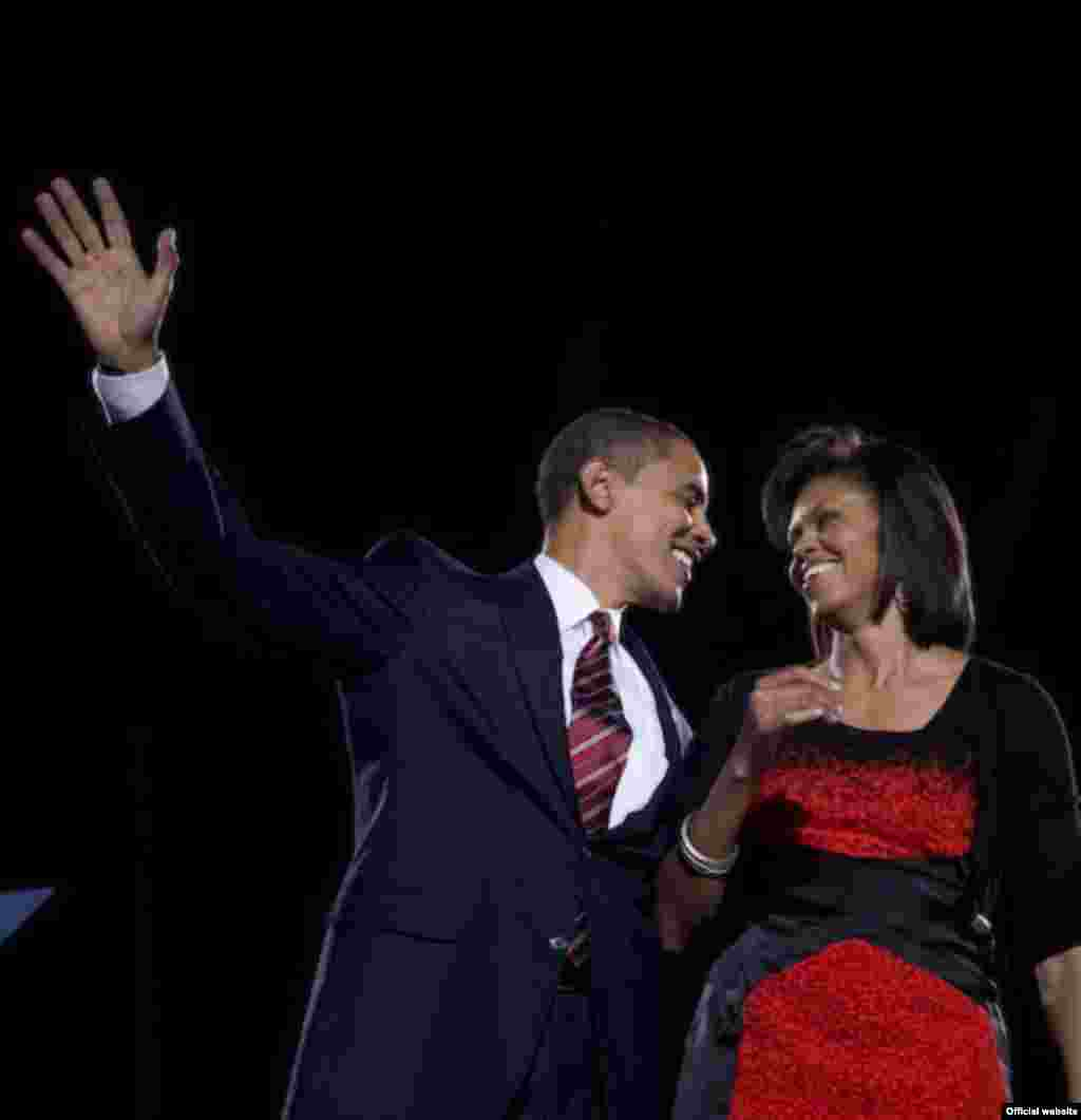 United States - President-elect Barack Obama and his wife Michelle smile at each other, following his victory speech at his election party in Chicago 05Nov2008, MUST CREDIT: David Katz/Obama for America - obama10