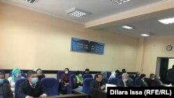 Фото из зала специализированного межрайонного суда по делам несовершеннолетних в Шымкенте. 26 ноября 2020 года.