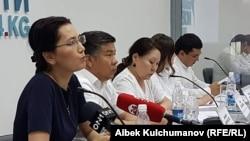 Пресс-конференция с участием депутатов Жогорку Кенеша Кыргызстана от фракции «Ата Мекен». Бишкек, 27 июля 2017 года.