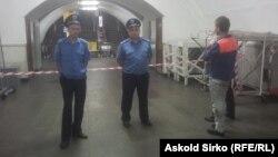 Заходи безпеки на станції метро у Києві (архівне фото)