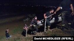 Спасатели в зоне бедствия