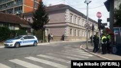 Pamje nga Zvorniku, një ditë pas sulmit në stacionin e policisë