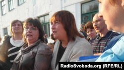 Батьки і учні протестують проти закриття школи в Макіївці.Чи допоможе це?