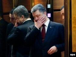 Петр Порошенко весьма осторожен в оценках минских соглашений