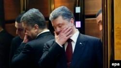 Петр Порошенко в (том самом) лифте