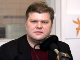 "Yabloko Chairman Sergei Mitrokhin: ""There's no border – one drags along the other."""