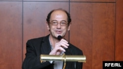 RFE'S Giorgi Gvakharia wins 2010 Champion of Tolerance award
