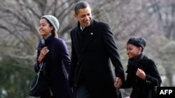 Примерный отец Барак Обама написал книгу-посвящение своим дочерям