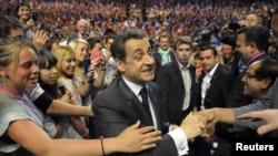 Действующиц президент Николя Саркози во время предвыборного митинга в Ницце