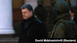 Петро Порошенко в Сімферополі, архівне фото