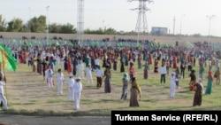 Подготовка к празднованию Дня независимости, Туркменистан (архивное фото)