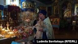 Богослужение в псковском храме