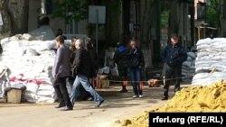 Блокпост пророссийских активистов в Славянске