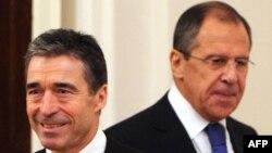 Sergei Lavrov və Anders Fogh Rasmussen