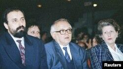Горан Хаджич (крайний слева) в 1993 году